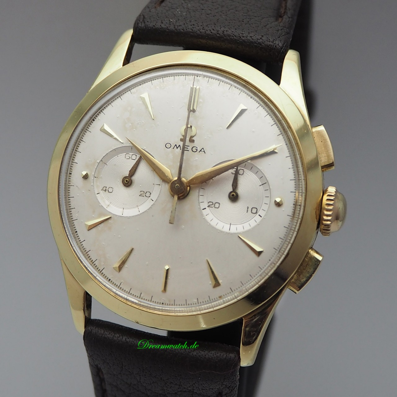 Omega Vintage Chronograph 2-Register Cal. 320 -18k/750 Gold from 1957