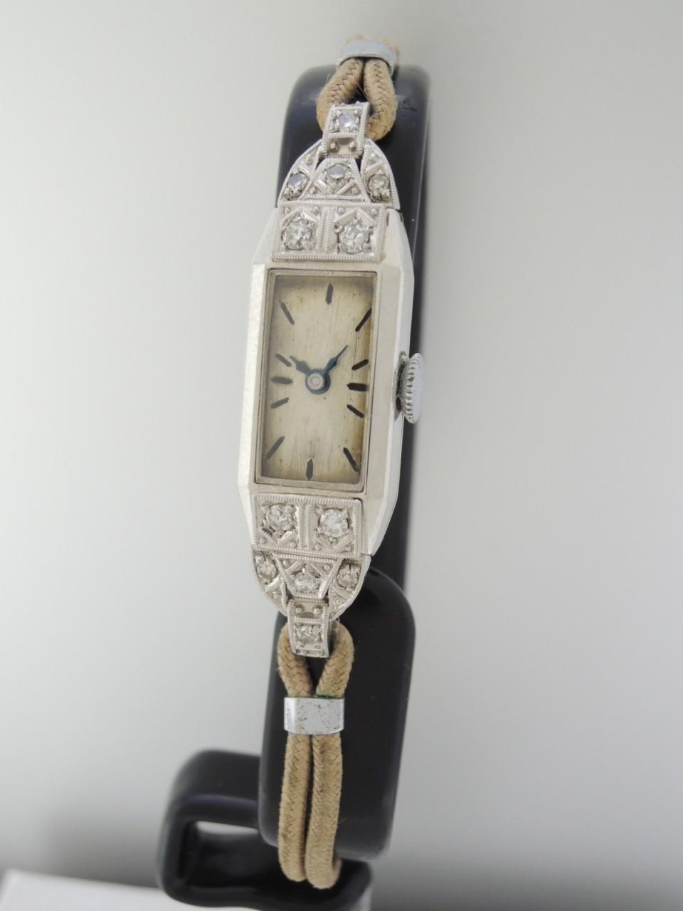 Vintage Damenuhr Rewa Art-Deco Stil ca. 1920er Weißgold 14k