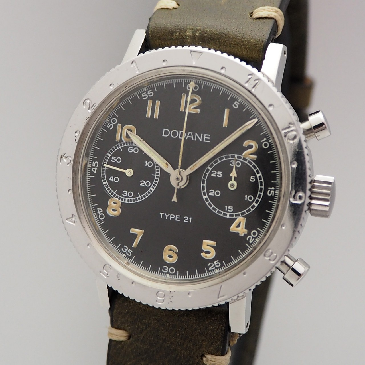 Dodane Military Vintage Chronograph Type 21 / Valjoux 235 Flyback, serviced